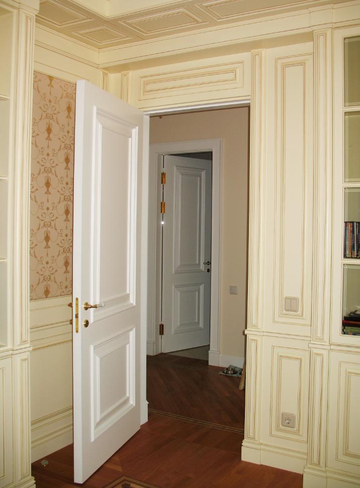Шкаф в дверном проеме фото